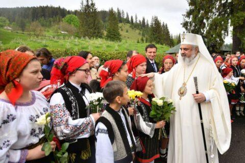 Patriarhul-Daniel-la-Manastirea-Putna-judetul-Suceva-la-canonizarea-Sfintilor-Putneni-Sila-Paisie-Natan-Iacob-Putneanul-Sihastria-Putnei-10-1